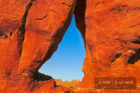 Erosion landscape Teardrop Arch - North America, USA, Arizona, Coconino, Monument Valley (Colorado Plateau) - scan