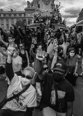 Paris : Black Saturday