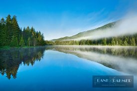 Mountain lake Trillium Lake in fog - North America, USA, Oregon, Clackamas, Trillium Lake (Cascade Range, Mount Hood National...