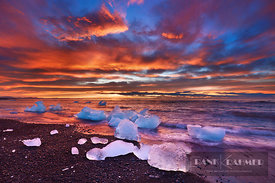 Drift ice on lava beach - Europe, Iceland, Eastern Region, Jökulsarlon (Vatnajökull National Park) - digital