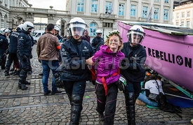 BELGIQUE : NOMBREUSES ARRESTATIONS EXTINCTION REBELLION BRUXELLES | MANY ARRESTS OF EXTINCTION REBELLION MEMBERS IN BRUSSELS