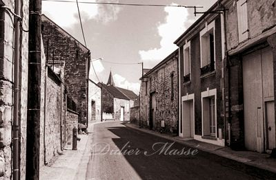 Rue du Perreux Ennery Val d'Oise 04/94