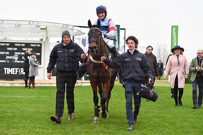 Simply_The_Betts_winners_enclosure_25012020-8