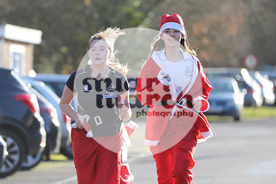 ROTAR-19-SantaFunRun-FINISH-50
