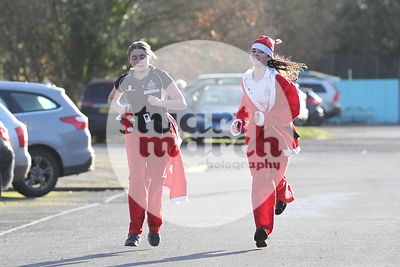 ROTAR-19-SantaFunRun-FINISH-47