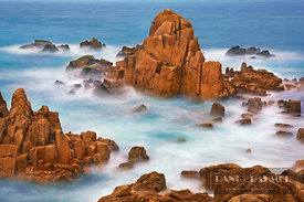 Rocky coast at Plougasnou - Europe, France, Brittany, Finistere, Morlaix, Plougasnou, Le Diben - digital - Getty image 540071094