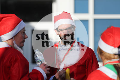 ROTAR-19-SantaFunRun-FINISH-13