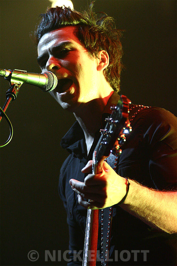 Stereophonics performing live at Nottingham Trent FM 5 March 2010