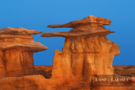 Sandstone erosion landscape in Bisti Badlands - North America, USA, New Mexico, San Juan, Bisti Badlands (Bisti/De-Na-Zin Wil...
