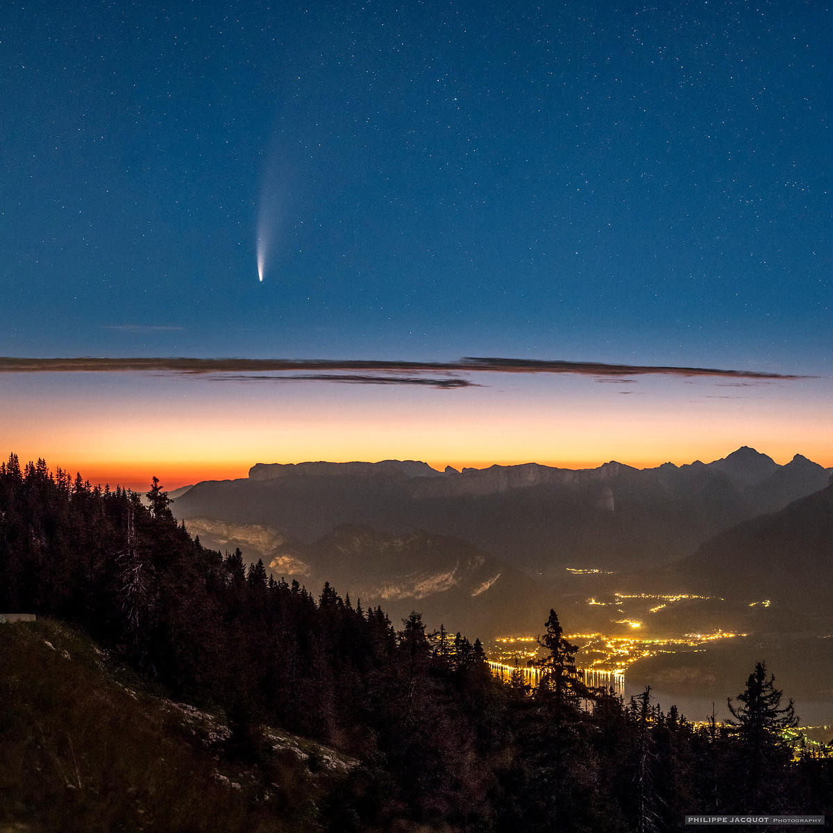 July 12, 2020 - Cometary dawn (detail) - Annecy Semnoz