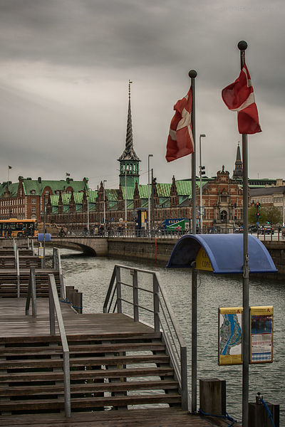 20140424-Waiting_for_the_boat_tour