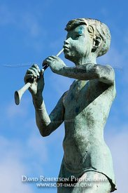 Image - Statue of Peter Pan, Kirriemuir, Angus, Scotland