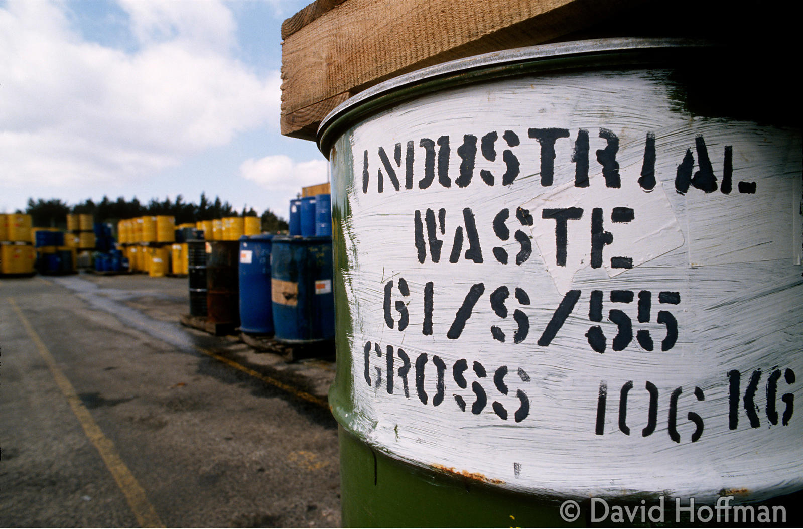 1.0614/520 Drums of industrial waste stored awaiting incineration at the Rechem plant, Fawley, Southampton. 1993.