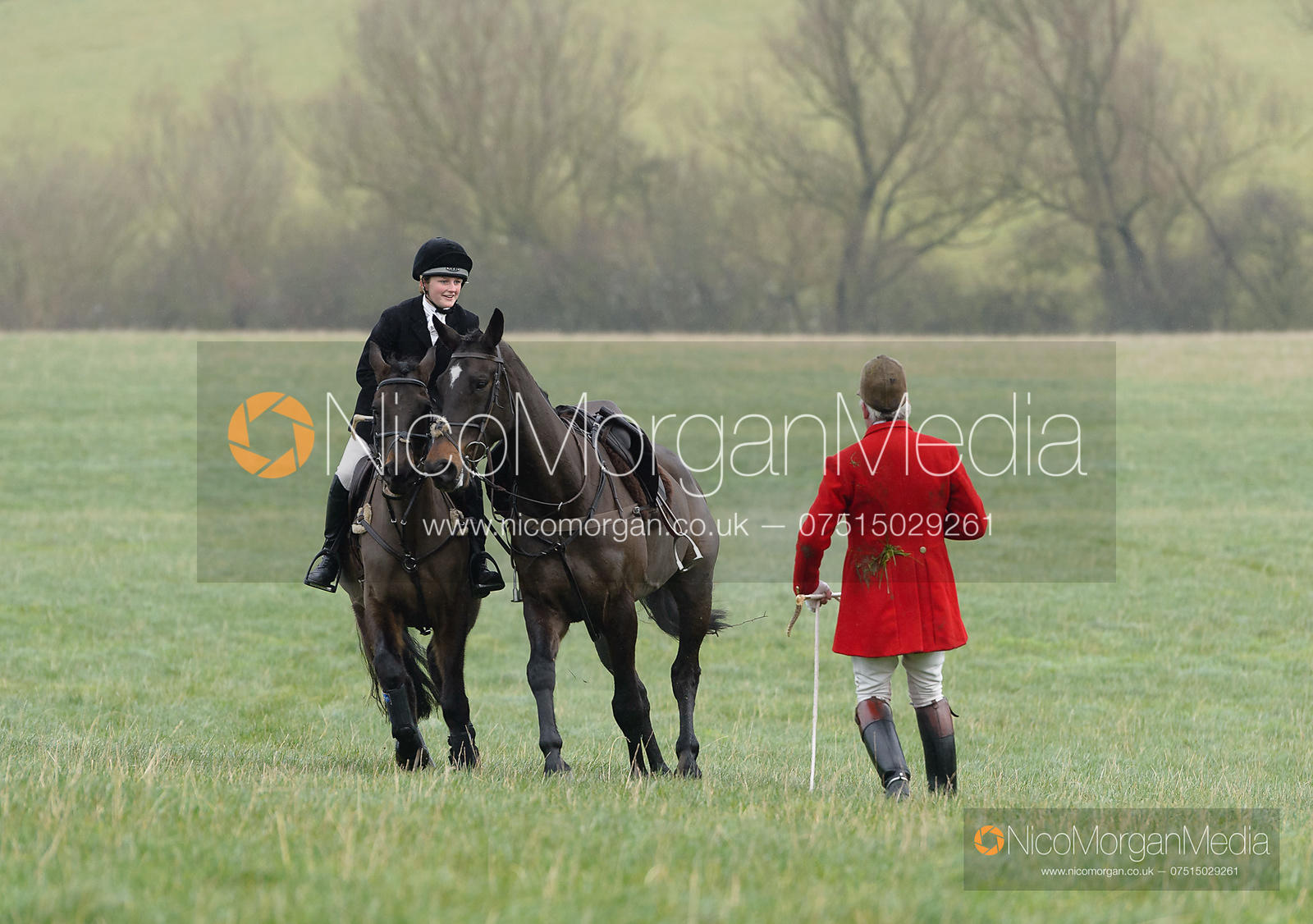 Andrew Osborne - The Fitzwilliam Hunt visit the Cottesmore at Burrough House