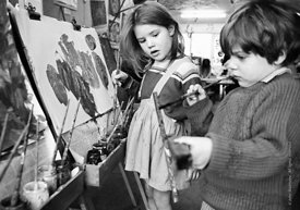#77330,  kids painting, Vittoria Primary School, Islington, London.  1970.