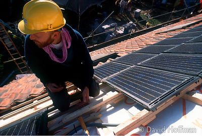 Fitting Solar Panels 01