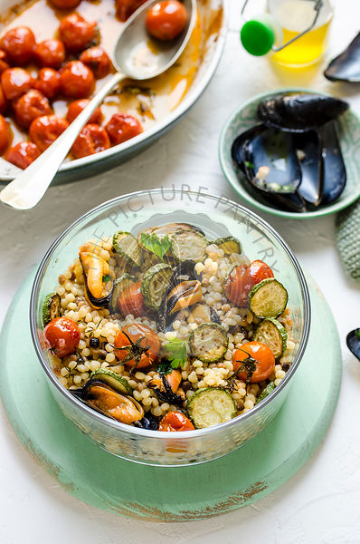 Fregola with mussels and vegetables