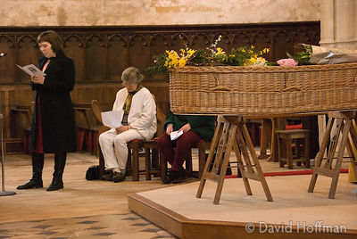 070330_Thea_017 Goldy speaking at Alethea Watterson's funeral, St Michael's Church, Basingstoke.