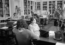 #77265  Barbara Weiss in the Library, Architectural Association School of Architecture, London  1975.