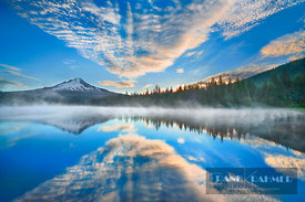 Mountain lake Trillium Lake and Mount Hood - North America, USA, Oregon, Clackamas, Trillium Lake (Cascade Range, Mount Hood ...