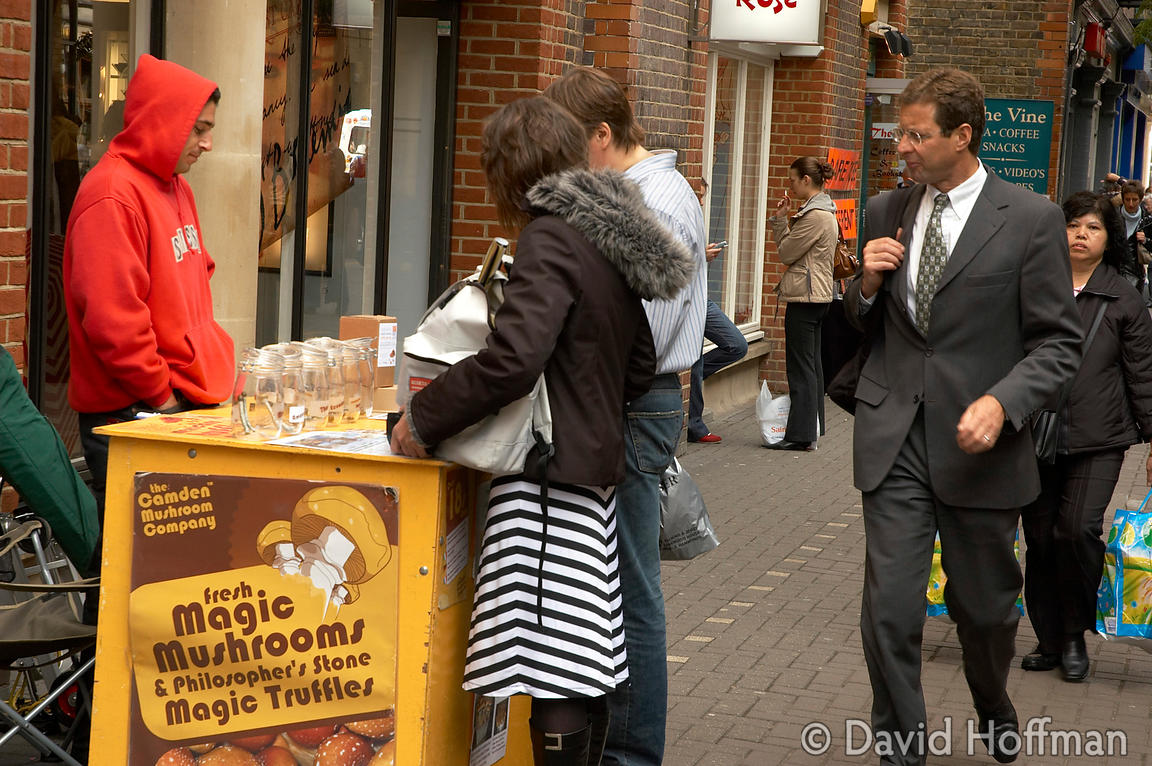 "_DSC3436 Stall selling ""Magic Mushrooms"" (psilocybe) on the street in Covent Garden, London."