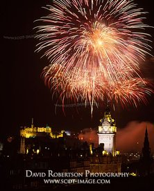 Image - Edinburgh Festival fireworks and Castle, Scotland