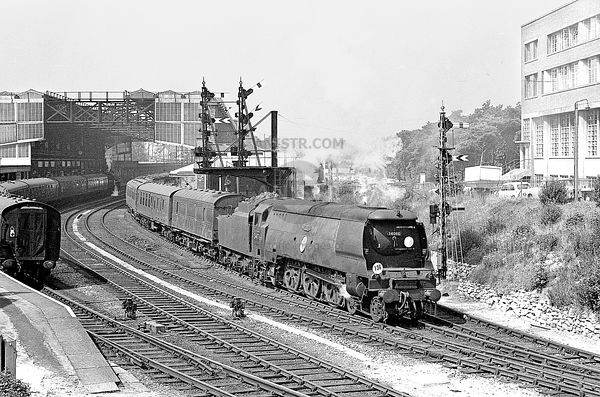 Battle of Britain Class 34066 SPITFIRE Bournemouth Central