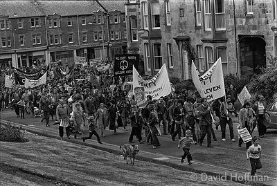 N81-9 CND March for the Future 1981