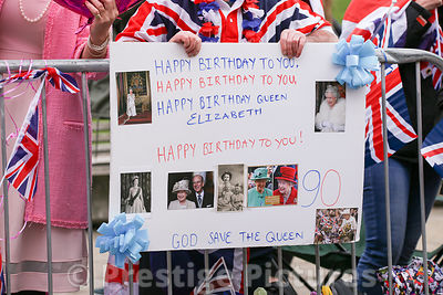 Birthday Greetings SIgn for The Queen