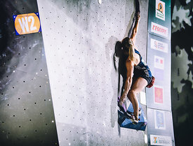 QUALIF_WOMEN_BOULDER_WOMEN_AgenceKros_RemiFabregue-25