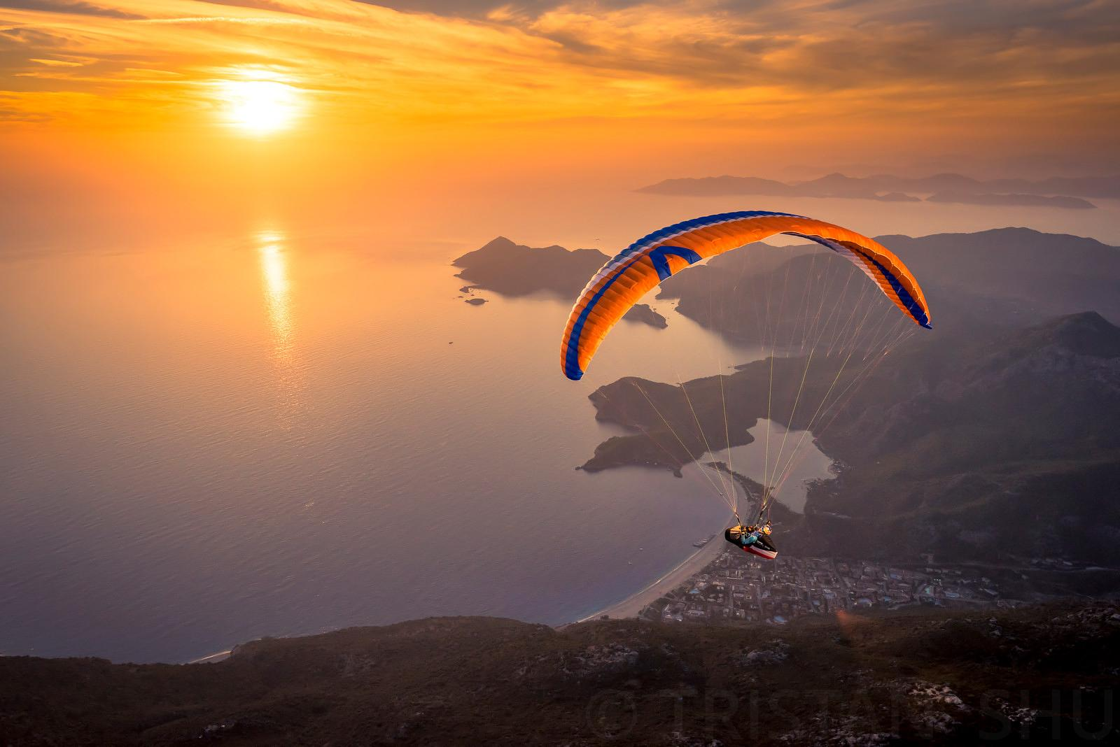 Sunset flying with Paul Guschlbauer