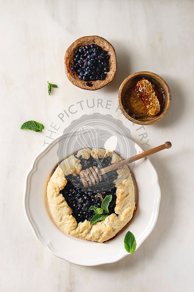 Blueberry biscuit pie
