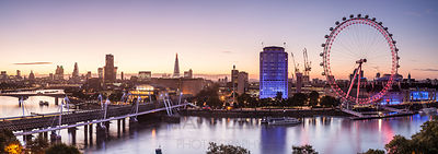 Panoramic view of central London at dawn.