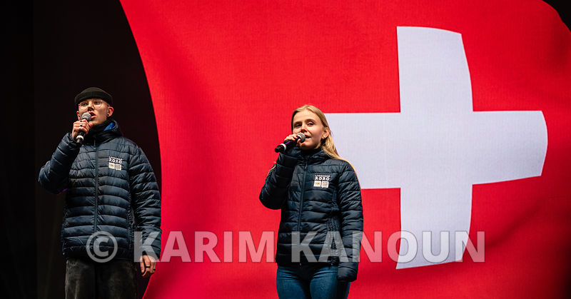 Lausanne_2020_-_Playing_of_the_Swiss_national_anthem_and_hoisting_the_Swiss_flag