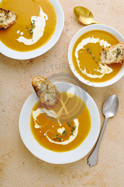 Squash soup with cream