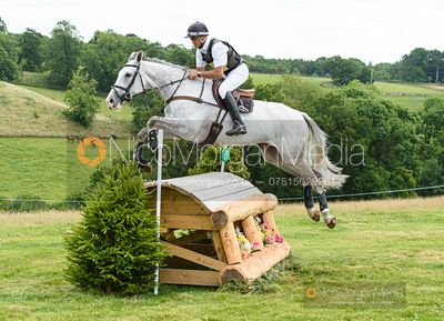Andrew Nicholson (NZL) and BABIBLONIA BT4 - Upton House Horse Trials 2019.
