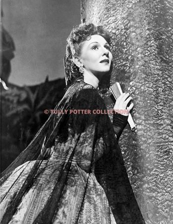 T16869_Mary_Martin_American_musical_star