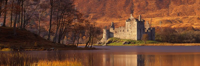 Image - Kilchurn Castle beside Loch Awe, Argyll, Scotland, Autumn
