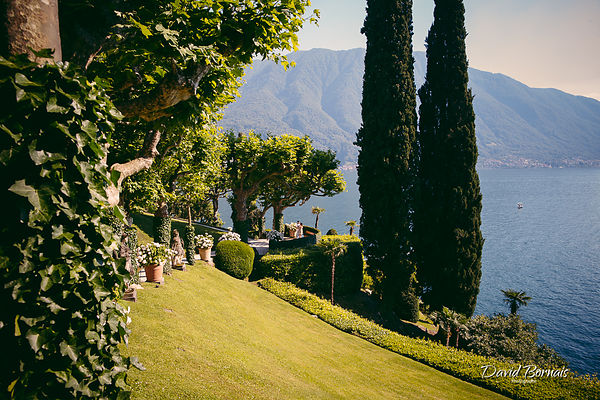 ENGAGEMENT SESSION IN LAKE COMO, VILLA DEL BALBIANELLO