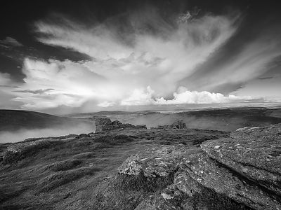 Granite_mist_and_cloud_-_Hookney_Tor