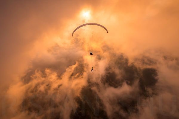 Towards the sun and through a hole in the clouds with Ferdi Toy & Guillaume Galvani