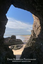 Image - Rock arch at Lunan Bay, Angus, Scotland