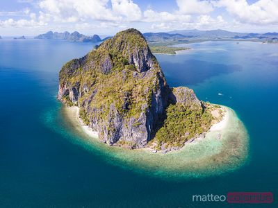 Aerial view of small island, El Nido, Palawan, Philippines