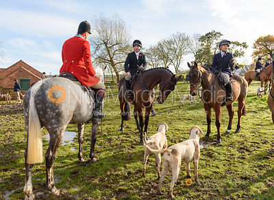 Ralph Richardson, Ben Hobday, Emma Hobday at the meet. The Middleton Hunt at Bugthorpe 9/11