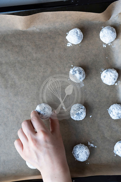 Flourless Chocolate Crinkle Cookies