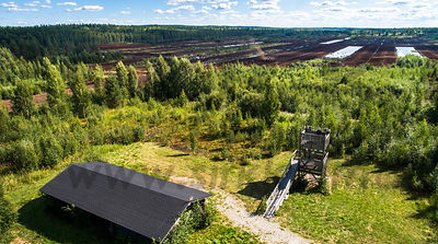 Lintutorni turvesuon laidalla III Bird watching tower next to peat production area