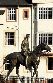 Image - Statue of Field Marshal Earl Haig and Ramsay Garden, Edinburgh