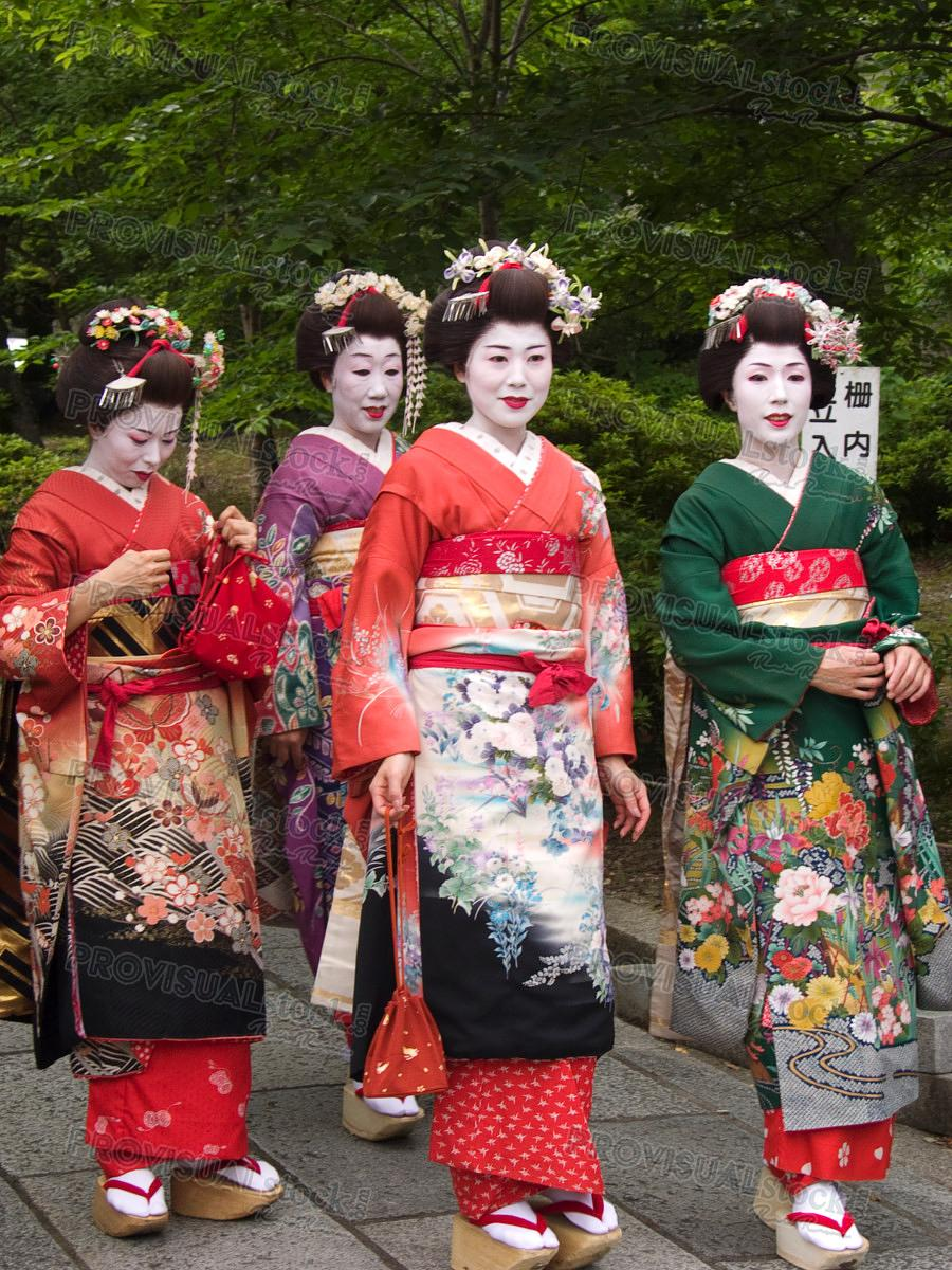 Group of Geisha