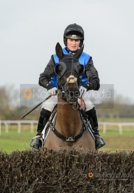 Gina Andrews and VEDETTARIAT - Race 1 - Conditions - The Midlands Area Club at Thorpe Lodge 26/1