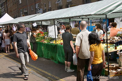 080726_BroadwayMkt_65 Saturday morning at the farmers' market in Broadway Market, East London 2004.